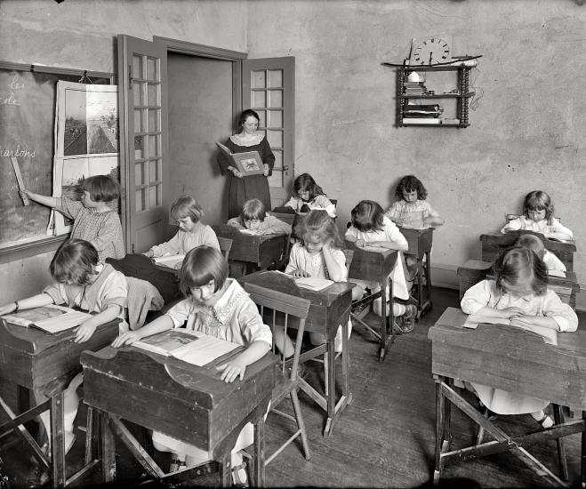 1924 schoolroom